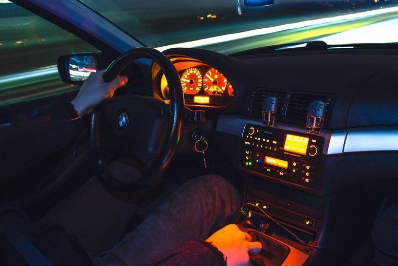 blur-road-car-night-wheel-highway-851209-pxhere.com